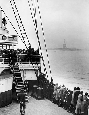 Immigrants Approaching Statue ofLiberty